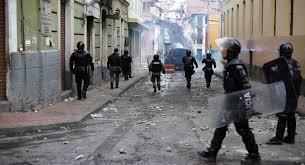 Protesters invade Ecuador's parliament; government decrees partial curfew | World | G1