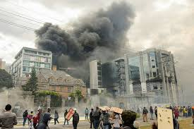 What's new: curfew in Quito and Guayaquil
